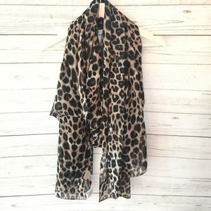 Chicos Womens NWT Leopard Scarf One Size Brown